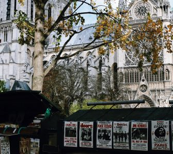 The History of Paris – City Center Guided Walking Tour – Private Tour in French