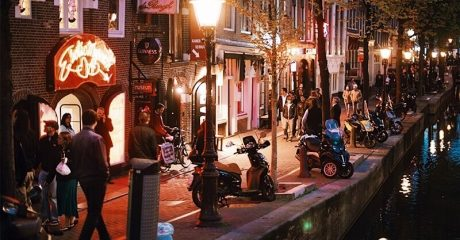 Red Light District Guided Walking Tour – Private Tour in French