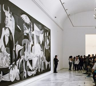 The Reina Sofia Museum Skip-the-Line Guided Tour – Private Tour in French