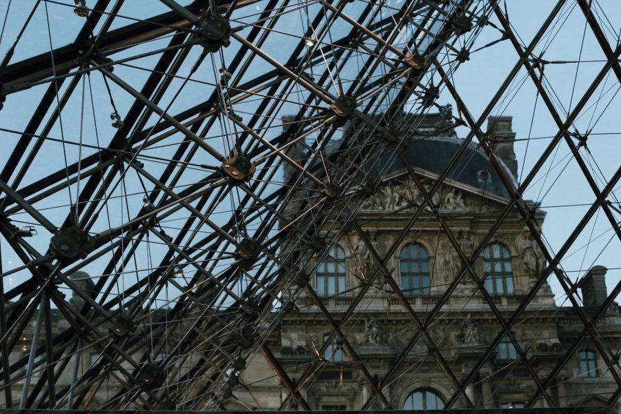 Museum-Mona-Lisa-Louvre-Tour-Guided-Paris