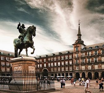 Madrid The Old City Guided Walking Tour – Private Tour in French